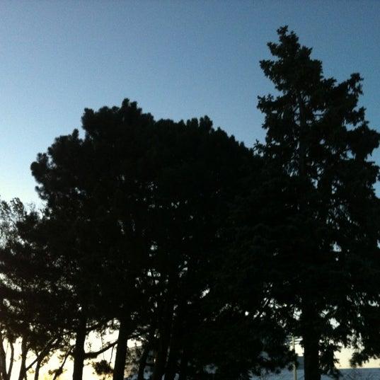 Foto tomada en Harbor House por Becca S. el 10/17/2012
