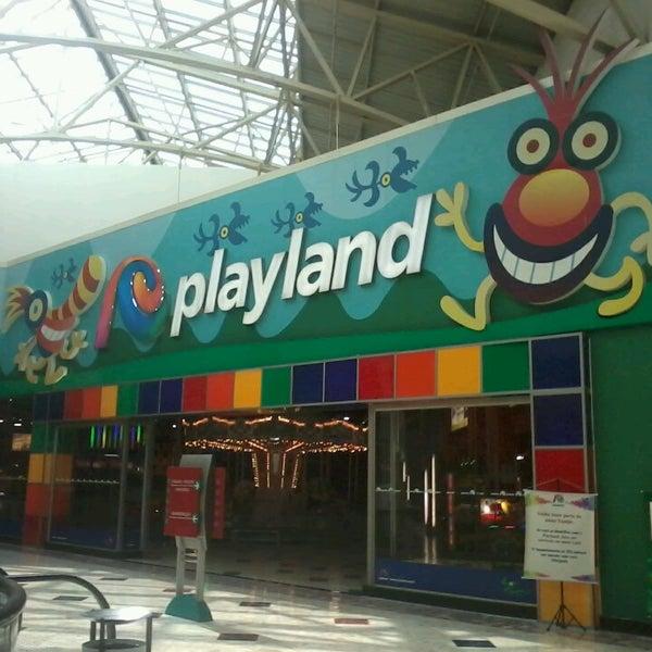 Das Foto wurde bei Grand Plaza Shopping von Luciana C. am 5/7/2013 aufgenommen