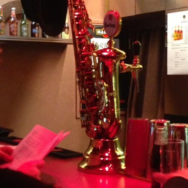 Foto tomada en Reduta Jazz Club por Елена В. el 1/12/2013