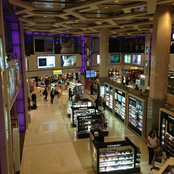 Photo prise au Abu Dhabi International Airport (AUH) par Charlie J. le7/5/2013