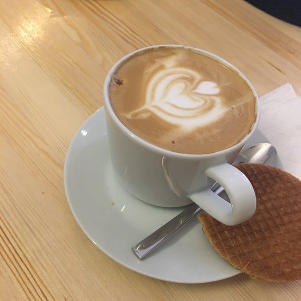 Foto tirada no(a) Cotta Coffee por Sevimay D. em 12/3/2017