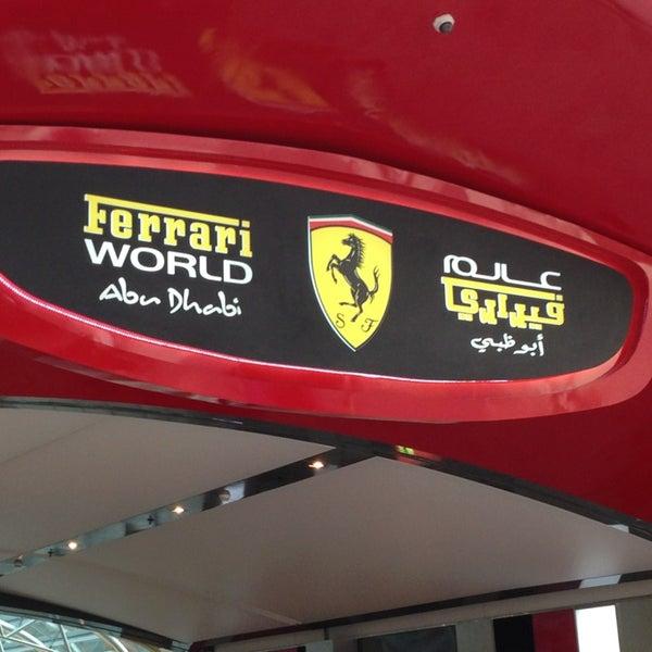 Foto tomada en Ferrari World Abu Dhabi por Amir H. el 3/24/2013