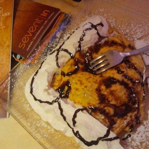 Foto diambil di Sevent In Lounge Bar Ristorante oleh Angela B. pada 12/27/2012