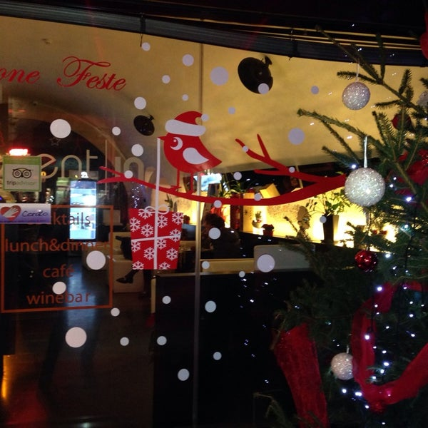 Foto diambil di Sevent In Lounge Bar Ristorante oleh Angela B. pada 12/24/2013