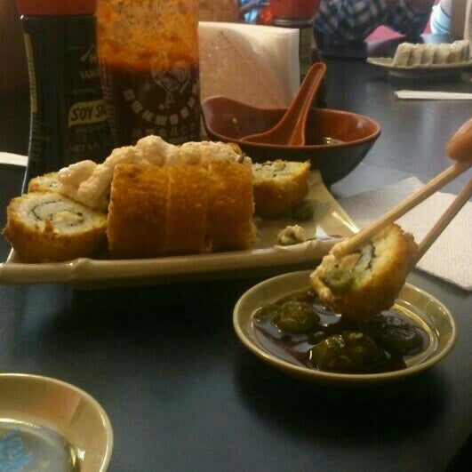 Foto diambil di Sushi Washoku oleh Alfonso G. pada 3/24/2014