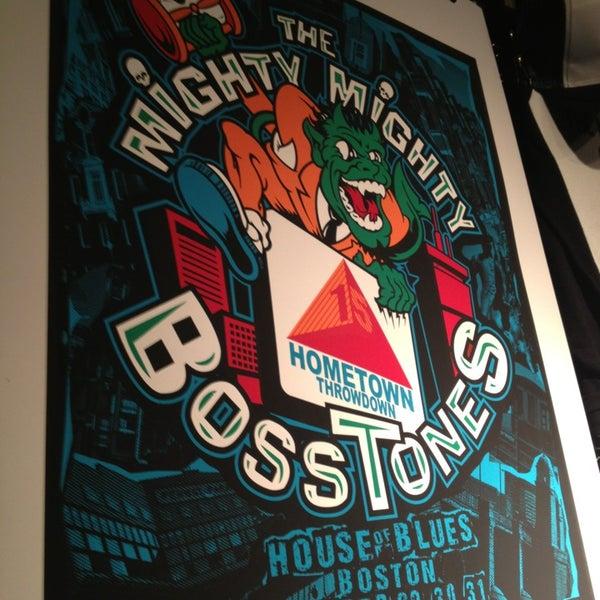 Foto diambil di House of Blues oleh Lauren P. pada 12/31/2012