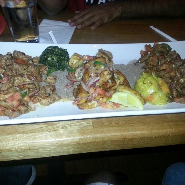 Foto scattata a Desta Ethiopian Kitchen da Rajesh N. il 4/13/2014