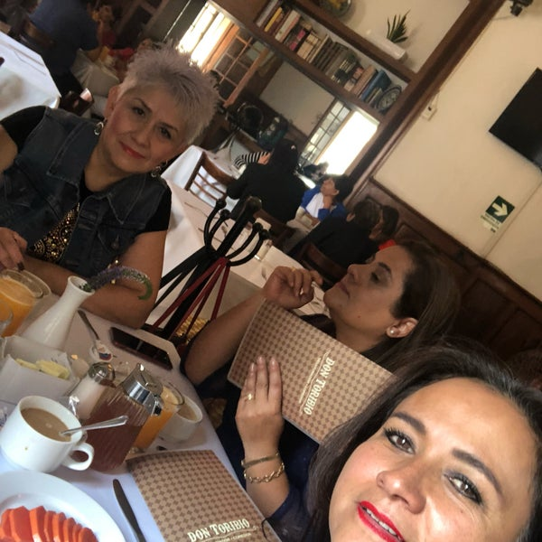 รูปภาพถ่ายที่ Restaurante Don Toribio โดย Claudia M. เมื่อ 7/19/2018