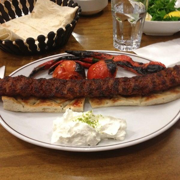 Снимок сделан в Çulcuoğlu Restaurant пользователем Mehmet Can T. 1/29/2013