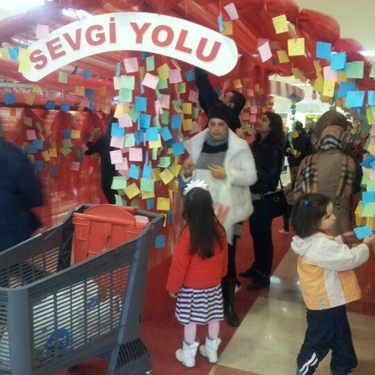 Das Foto wurde bei Beylikdüzü Migros AVM von Tılsım Ç. am 2/5/2013 aufgenommen