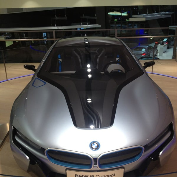 Foto tirada no(a) BMW Welt por Dirk R. em 2/22/2013