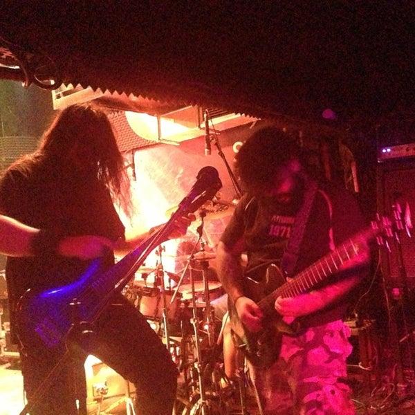 Das Foto wurde bei Dorock Heavy Metal Club von Onur K. am 4/13/2013 aufgenommen