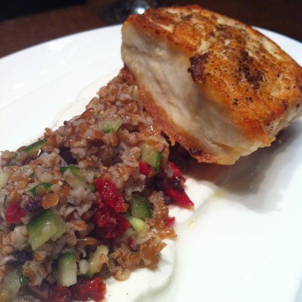 Снимок сделан в SOUTHGATE Bar & Restaurant пользователем Craig T. 11/2/2012