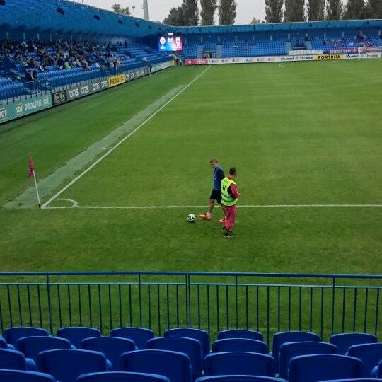 Foto tirada no(a) Štadión FK Senica por Dominika S. em 9/13/2014