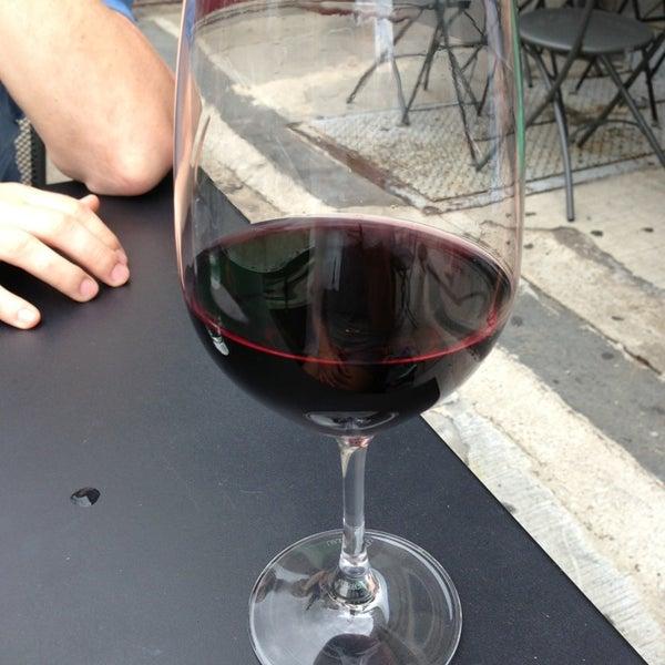 6/8/2013にPamela P.がThe Tangled Vine Wine Bar & Kitchenで撮った写真