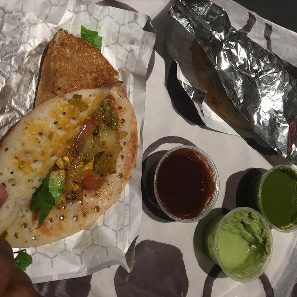รูปภาพถ่ายที่ Deep Indian Kitchen โดย Swapnil T. เมื่อ 4/27/2018