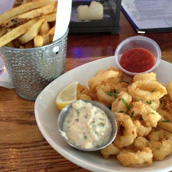 2/11/2013にAmanda A.がBait & Hook Seafood Shackで撮った写真