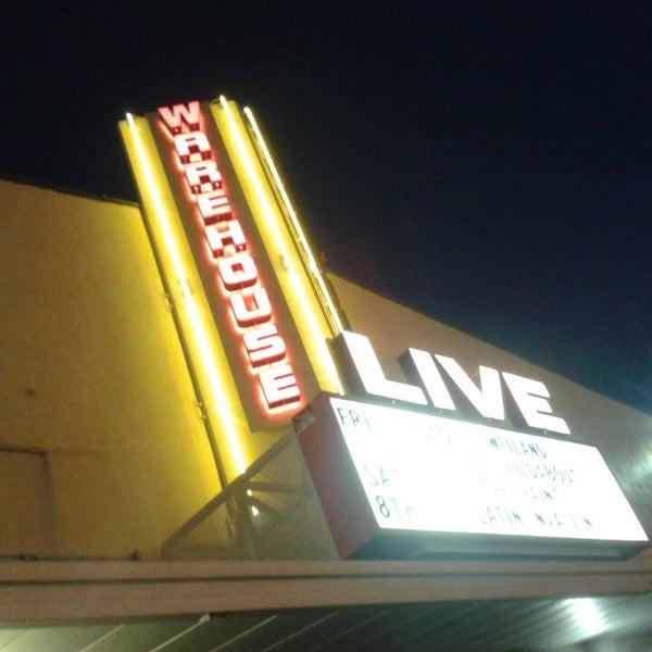"""รูปภาพถ่ายที่ Warehouse Live โดย Jason """"Danger"""" D. เมื่อ 5/3/2014"""