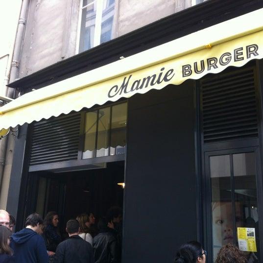 Foto tirada no(a) Mamie Burger Grands Boulevards por François T. em 9/20/2013