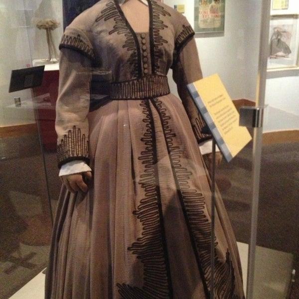 รูปภาพถ่ายที่ North Carolina Museum of History โดย Christine S. เมื่อ 1/5/2013