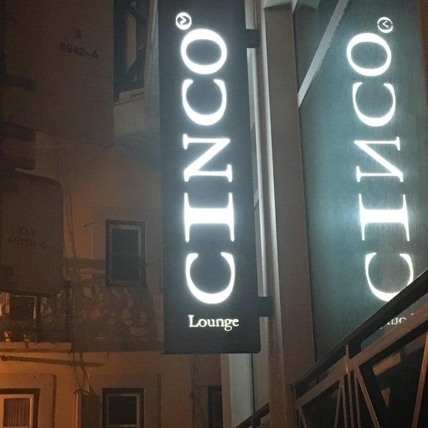 Foto scattata a CINCO Lounge da Maurizio M. il 5/18/2019