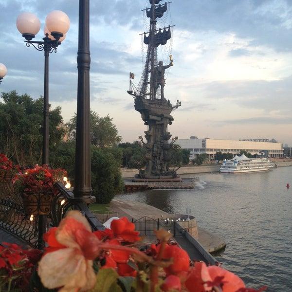 Foto tirada no(a) Ресторан & Lounge «Река» por Elena S. em 6/24/2013