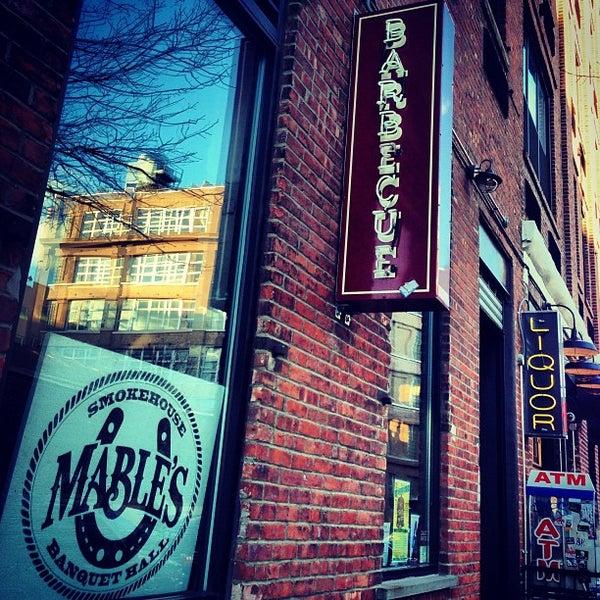 รูปภาพถ่ายที่ Mable's Smokehouse & Banquet Hall โดย Kevin B. เมื่อ 2/17/2013