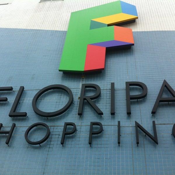 Foto tirada no(a) Floripa Shopping por Leandro R. em 2/23/2013
