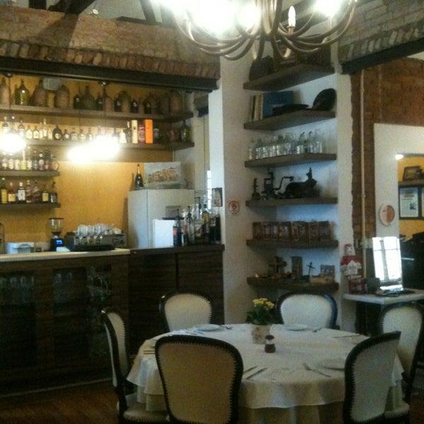 Foto tirada no(a) Zeffiro Restaurante por Luciana M. em 1/21/2013