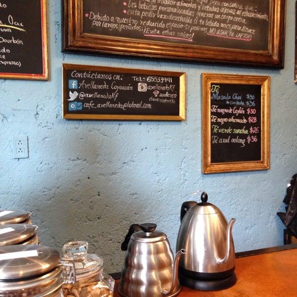 Muy buen café, parafraseando a Salinger: el consuelo [café] se encuentra en los lugares más inesperados.