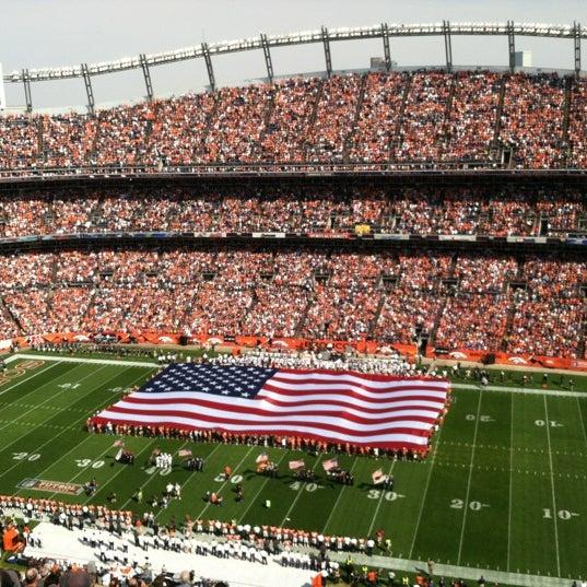 Foto diambil di Broncos Stadium at Mile High oleh Matt A. pada 9/27/2012