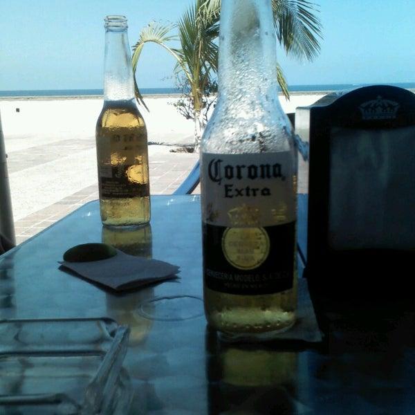 Foto diambil di Day Off Beach Bar oleh Cynti A. pada 4/21/2013