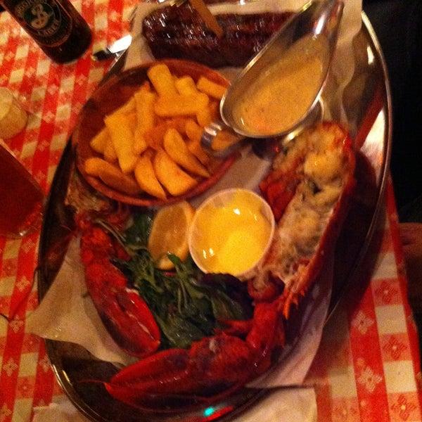Foto tirada no(a) Big Easy Bar.B.Q & Crabshack por Miriam M. em 4/25/2013