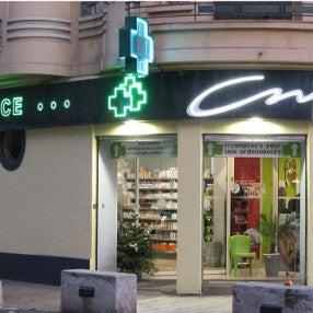 Photo prise au Grande Pharmacie de Provence par Grande Pharmacie de Provence le7/24/2013