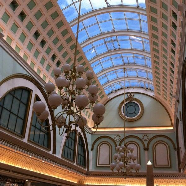 Foto tomada en Centro Comercial Gran Vía 2 por David H. el 5/18/2013