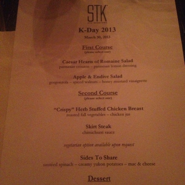 Foto scattata a STK Downtown da Food and Wine Snob a. il 3/31/2013