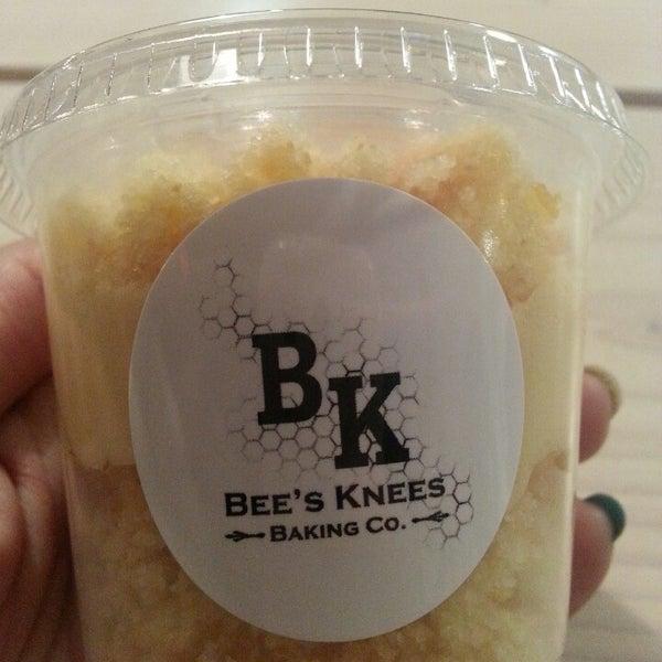 รูปภาพถ่ายที่ Bee's Knees Baking Co. โดย Veronica D. เมื่อ 3/2/2013