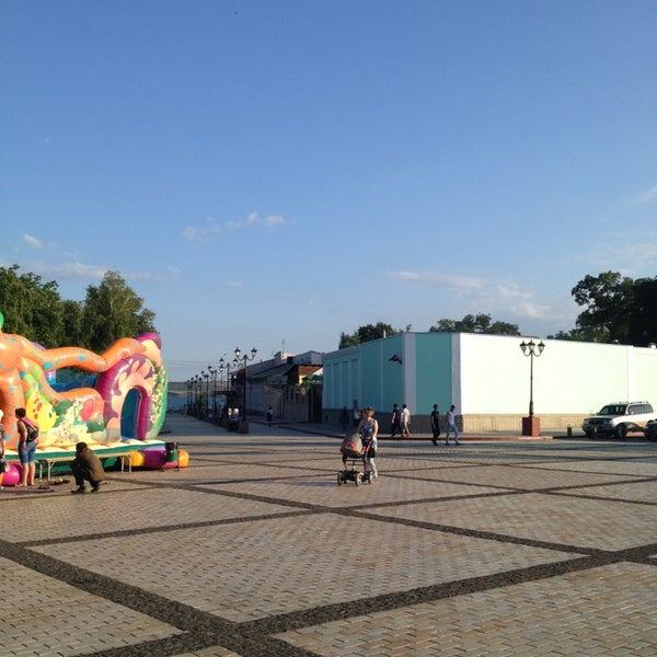 Снимок сделан в Площадь Ленина пользователем Алексей В. 6/9/2013