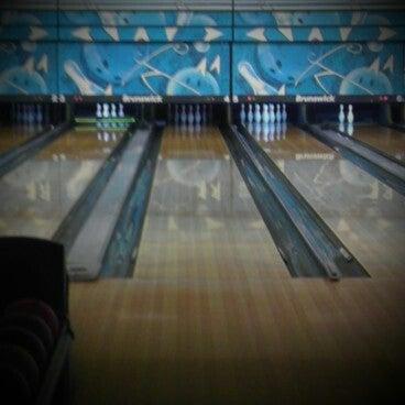 รูปภาพถ่ายที่ Park Tavern Bowling & Entertainment โดย Kari H. เมื่อ 12/31/2012