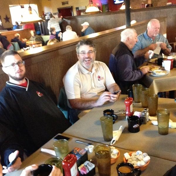 Foto tirada no(a) Our Place Restaurant por Brent E. em 1/18/2013