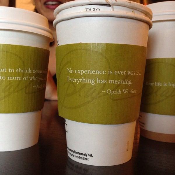 Foto scattata a Starbucks da Apoorva J. il 8/5/2014