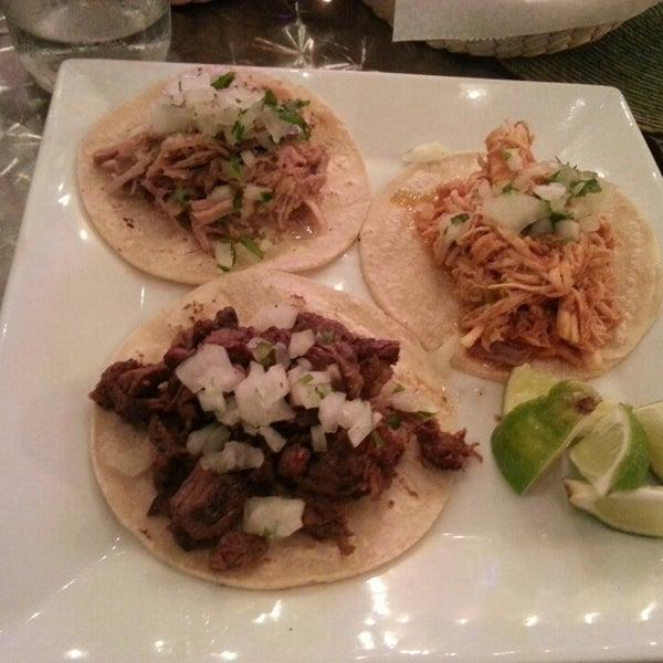 Foto tirada no(a) The MexZican Gourmet por Nicolás J. em 4/10/2013
