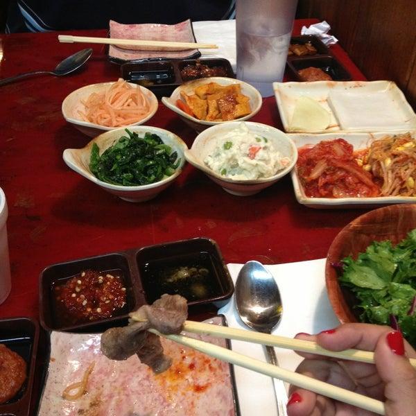 Foto scattata a Hae Jang Chon Korean BBQ Restaurant da Rose P. il 4/18/2013