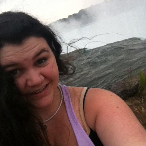 8/7/2013 tarihinde Elizabeth B.ziyaretçi tarafından Niagara Falls USA Official Visitor Center'de çekilen fotoğraf