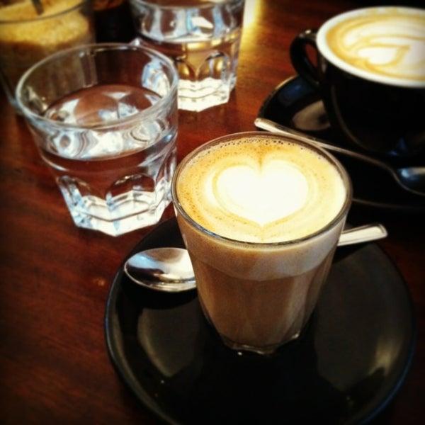 Photo prise au Kaffeine par Sylvia le2/2/2013