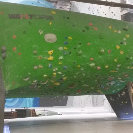 4/4/2014にKrista S.がSender One Climbing, Yoga and Fitnessで撮った写真