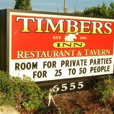 Das Foto wurde bei Timbers Inn Restaurant & Tavern von Timbers Inn Restaurant & Tavern am 7/11/2013 aufgenommen