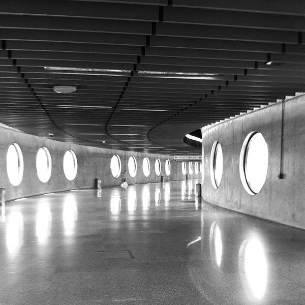 Foto tomada en Aeropuerto Internacional de Brasilia Presidente Juscelino Kubitschek (BSB) por Inaê F. el 11/3/2013
