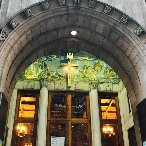 Foto diambil di Fifth Avenue Presbyterian Church oleh Jason P. pada 8/8/2017