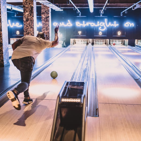 After 12 months of refurbishment QUEENS is now fully open! Featuring 12 state-of-the-art bowling lanes, central London's only all-year-round ice-rink & burger heavyweights: MEATliquor!!!